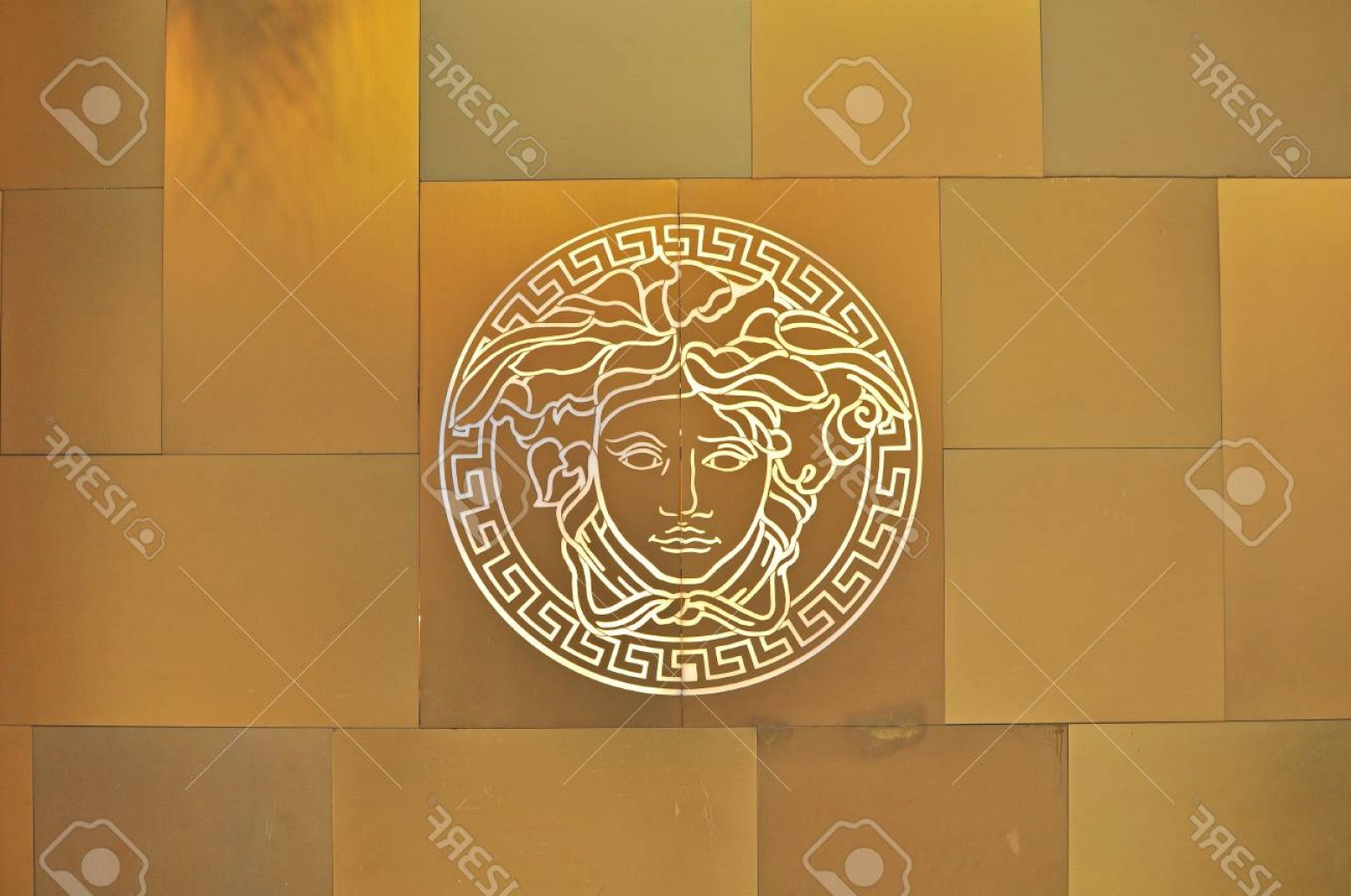1560x1035 Photoho Chi Minh Vietnam March Logo Of Versace Flagship Store In