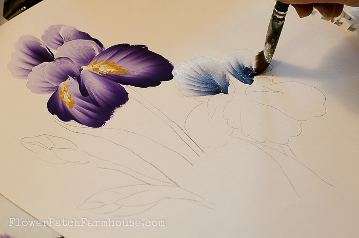 700x464 How To Paint An Iris In Acrylics